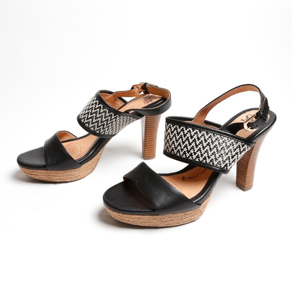 2b36725ad1b3f7 Sofft - Sarita High Heeled Platform Sandals. M 5a3e9bd961ca1097fc0529e2